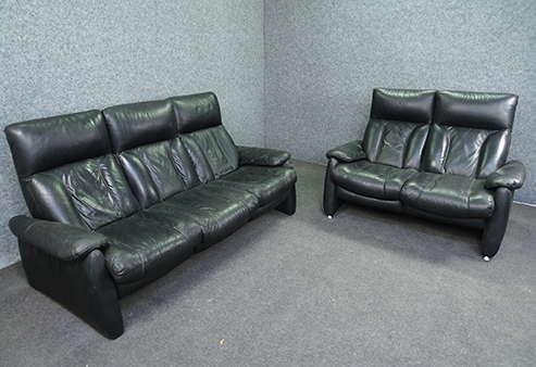 Black Recliner Set 3 And 2 Seater